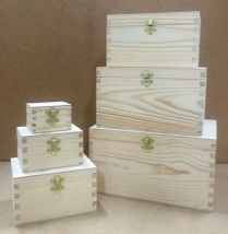 Set of 6 pine wood nesting boxes